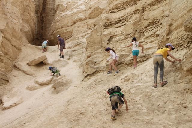נחל פרצים - מטפסים ומתלכלכים